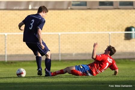 Borta mot Trollhättans FF 0-7 (Foto: Bibbi)